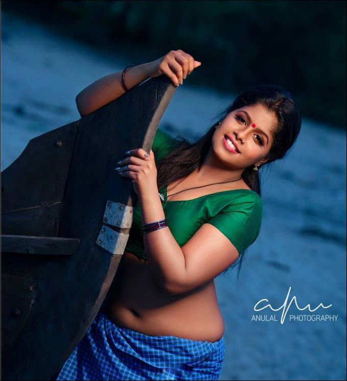 Aami_Surendran Photo Gallery